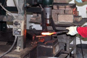 301 - Forge Welding, Forging of a Kuro-uchi Series Knife